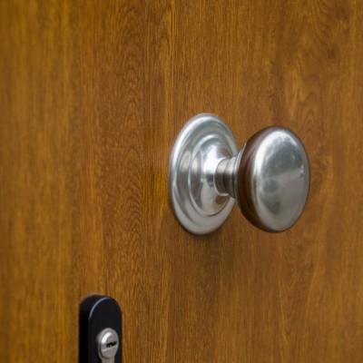 Puerta de entrada PVC imitación madera
