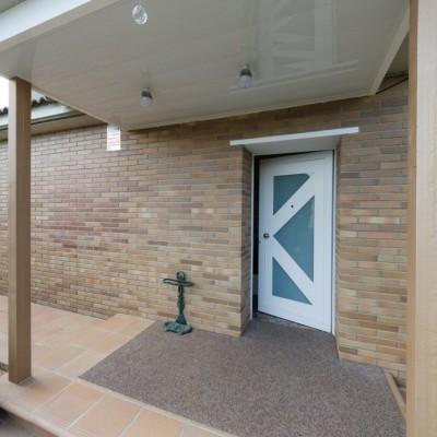Cubierta y puerta de entrada